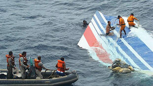 Part of the aircraft's rudder is recovered by the Brazilian navy, 8 June 2009