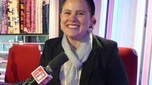 Estefanía Ángeles en los estudios de RFI
