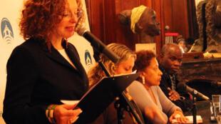 «Jour des Africains» 2014, à la municipalité de Buenos Aires le 27 mai 2014. Assis de gauche à droite, trois militants de la cause afro-argentine: Maria Rachid, Miriam Gomes et Boubacar Traoré.
