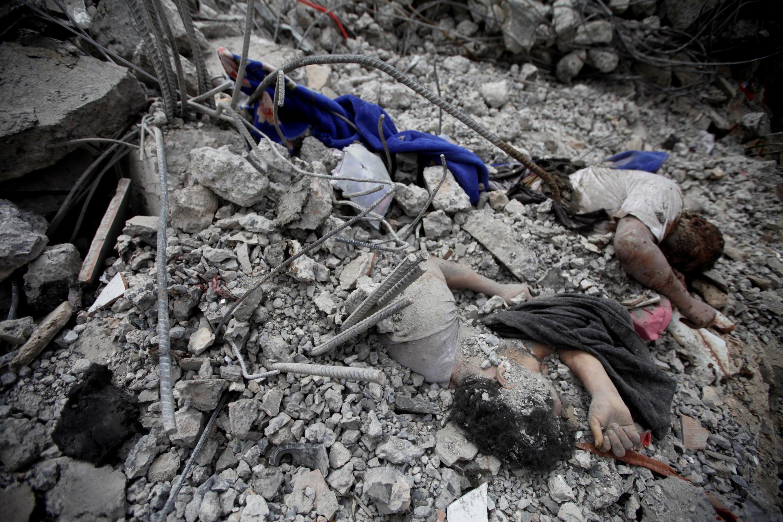 Setembro de 2019, após um ataque aéreo da coalizão liderada pela Arábia Saudita em um centro de detenção de Houthi em Dhamar, Iêmen.
