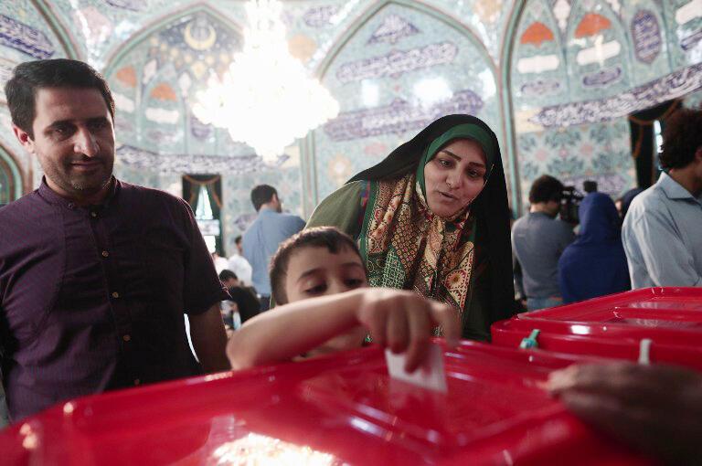 یک حوزه رأیگیری در تهران