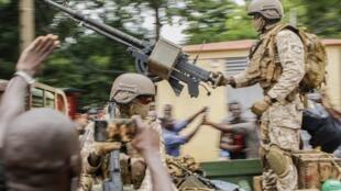 Des soldats maliens paradent dans le square de l'Indépendance à Bamako, le 18 août 2020. (Image d'illustration)