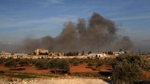 Dans l'enclave d'Idleb, dans le nord de la Syrie, près de 80 rebelles syriens soutenus par la Turquie ont été tués dans des frappes aériennes visant un de leurs camps. Des frappes imputées à Moscou (image d'illustration).