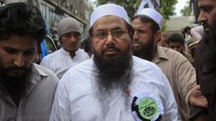 Hafiz Saeed, l'un des fondateurs du Comité de défense du Pakistan, auteur présumé des attentats de Bombay en 2008, à Lahore, le 8 juillet.