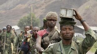 Vikosi vya jeshi la DR Congo (FARDC) mjini  Kibati, karibu na mji wa Goma.