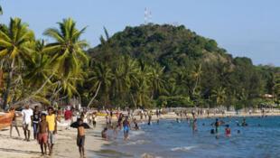 Une scène de plage à Nosy Be, Madagascar.
