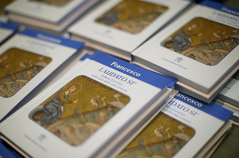 """Văn kiện """"Laudato Si"""" của Giáo hoàng Phanxicô được công bố ngày 18/06/2015."""