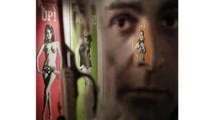 Profitant des 50 ans du célèbre agent secret britannique, la prestigieuse maison de vente Christie's à Londres met en vente des posters anciens des films avec Sean Connery.