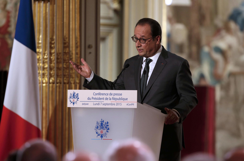O presidente francês François Hollande, durante a sexta conferência de imprensa, no palácio do Eliseu em Paris