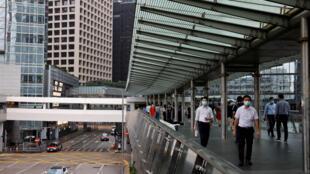 疫情爆发后 香港金融中心的行人 2020 9 14