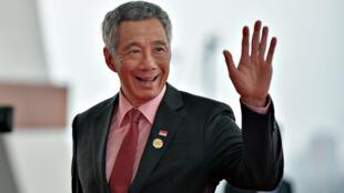 图为新加坡总理李显龙在东盟峰会上