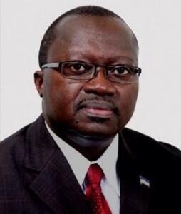 Antero Veiga, Ministro do Ambiente, Habitação e Ordenamento do Território, em Cabo Verde