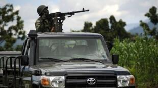 L'armée congolaise patrouille à Jomba, dans le Nord-Kivu, le 19 mai 2012.