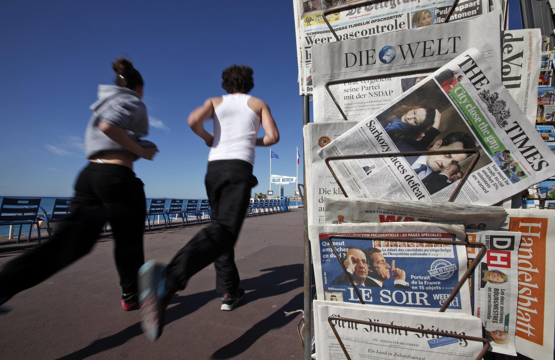 Kết quả vòng một bầu cử tổng thống Pháp chiếm trang nhất nhiều nhật báo châu Âu.