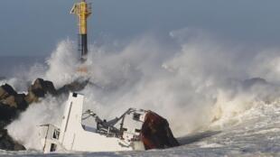 Atlantic Coast of France, February 6, 2014.