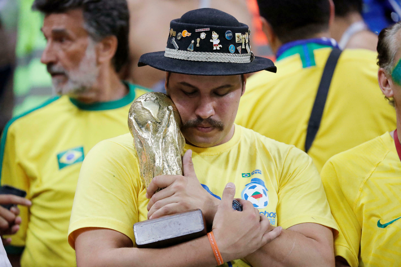 Châu Mỹ có một kỳ World Cup 2018 buồn. Ảnh: Cổ động viên Brazil sau trận bị Bỉ loại ở tứ kết ngày 06/07/2018 tại sân Kazan Arena.