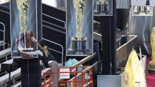 Produção finaliza últimos detalhes antes da aguardada ceriômia de entrega do Oscar.