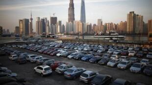 12月12日,黃浦江對岸的浦東金融區。