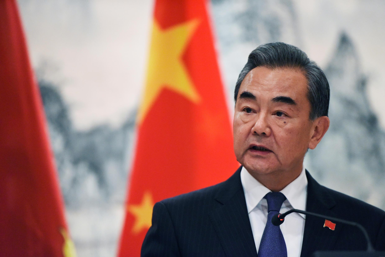 Ngoại trưởng Trung Quốc Vương Nghị trong buổi họp báo về quan hệ ngoại giao với đảo quốc Kiribati, bên lề Đại Hội Đồng Liên Hiệp Quốc, New York, ngày 27/09/2019.