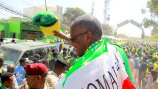 C'est une lourde tâche qui attend le nouveau président du Somaliland Muse Bihi Abdi, ici en campagne électorale le 9 novembre dernier à Hargeisa.