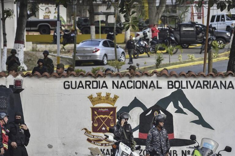 Un groupe d'assaillants de la Garde nationale bolivarienne s'est rendu ce 21 janvier à la caserne de Cotiza, dans le nord de Caracas, où ils ont enregistré une vidéo.