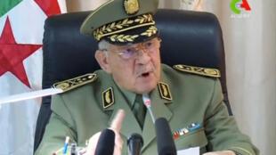 Le chef d'état-major de l'armée algérienne, le général Ahmed Gaid Salah, s'exprime lors d'une réunion à Alger, en Algérie, le 2 avril 2019.