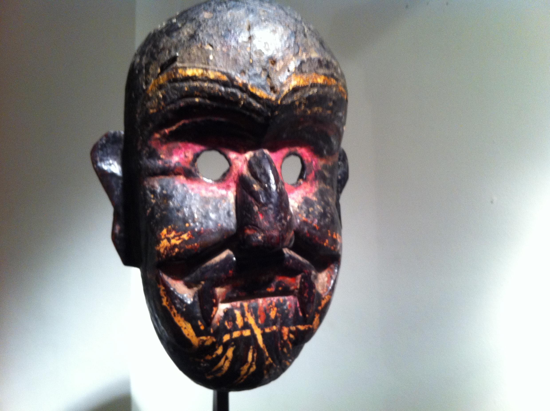 Masque népalais du 19e siècle, exposé à la galerie de Frédéric Rond, Indian Heritage, à l'occasion du Parcours des mondes, du 9 au 14 septembre à Paris.