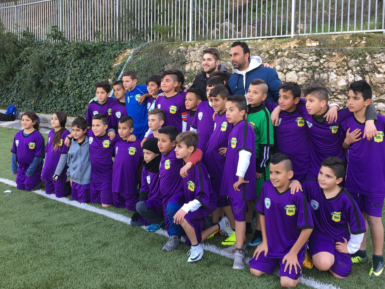 Crianças judias e árabes jogam em torneio da ONG Gol da Igualdade