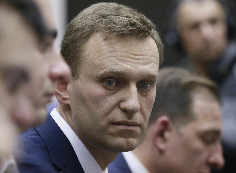 Судебные приставы наложили арест на московскую квартиру и счета Алексея Навального.