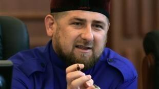 Рамзан Кадыров велит жещинам одеться