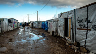3 400 migrants seraient installés dans la « Jungle » de Calais, vaste camp sauvage face aux côtes britanniques.