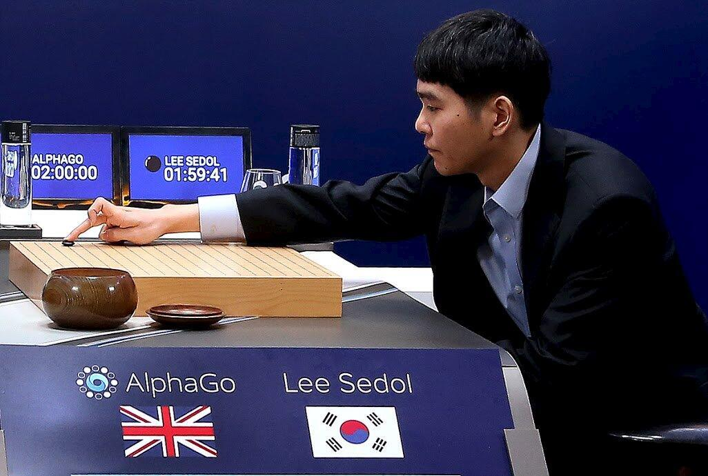 Le premier match entre Lee Se-dol et Alpha Go, le 9 mars 2016.