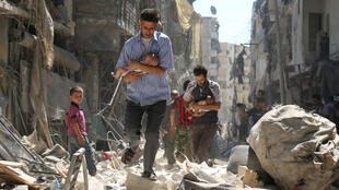 Mashambulizi yameendelea kuripotiwa jijini Aleppo ambapo raia wanatajwa kupoteza maisha.