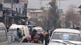 """مسئولیت حمله انتحاری چهارشنبه ٢۶ دی/ ۱۶ ژانویه ٢٠۱٩ در نزدیکی یک بازار در شهر """"منبج"""" را داعش برعهده گرفت؛ این در حالی است که دونالد ترامپ برای خروج نیروهای آمریکایی از سوریه، اطمینان داده بود که داعش در این کشور شکست خورده است."""