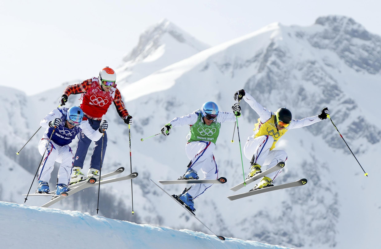 Французские спортсмены в триумфальном заезде ски-кросс / фристайл в Сочи 20 февраля 2014