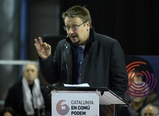 Xavier Domenech, candidat de la coalition Catalunya en Comu-Podem, refuse le bipartisme. Ici en meeting, le 15 décembre 2017.