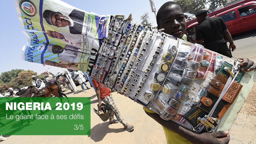 Un vendeur de rue à Kano, nord du Nigeria, le 31 janvier 2019.