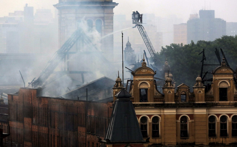 Incêndio destruíu parte do Museu da Língua portuguesa em São Paulo, Brasil