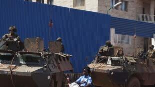 Des soldats français en patrouille à Bangui, le 30 novembre 2013.