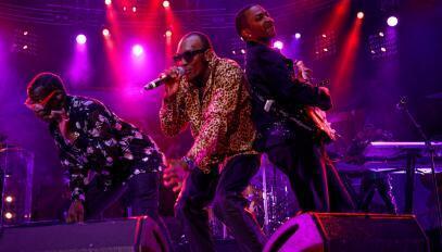 """Kool & The Gang, lors de la 34ème édition du festival """"Jazz à Vienne""""."""