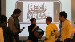 Street Press reçoit le prix Hackthepress à la cantine