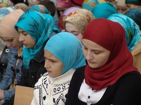 Дресс-код для чеченских девушек по-кадыровски