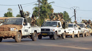 Escorté par des soldats de la Misca, un convoi d'une trentaine de véhicules transportant les 200 soldats tchadiens basés à Bangui, a quitté la ville ce vendredi après-midi.