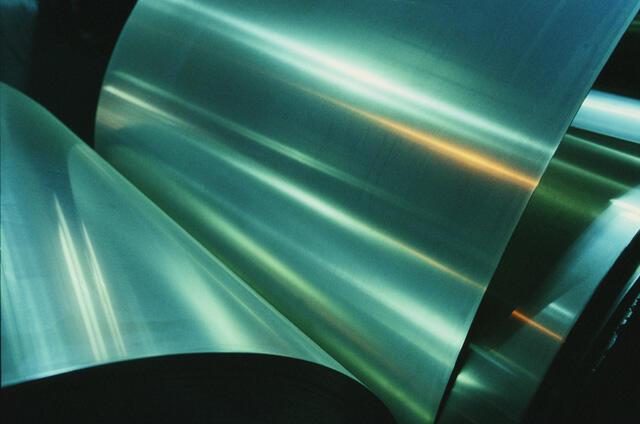 L'aluminium est le métal que l'on s'arrache dans l'automobile et l'aéronautique, et la demande ne cesse de croitre.