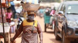 Scène de vie sur un marché de Lomé, au Togo (image d'illustrration).