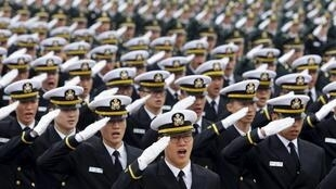 南韩军队3月4日列队接受检阅