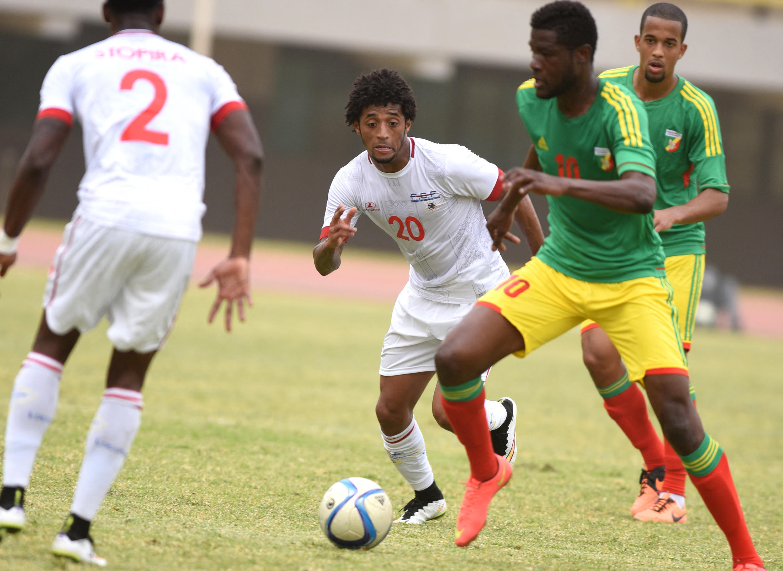 Ryan Mendes - Tubarões Azuis - Cabo Verde - Futebol - Desporto - CAN 2022 - Football - Cap-Vert - Camarões