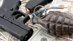 Depuis le 18 mars 2013, les pays membres de l'ONU examinent un traité pour réguler le commerce des armes.
