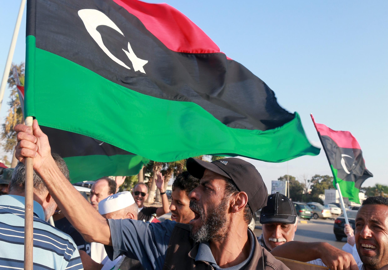 Protesto em Bengahzi contra a missão da ONU para a Líbia. (18/09/15)