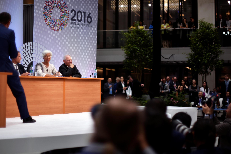 FMI總幹事拉加德,德國財長在華盛頓世銀與FMI年會上回答提問。